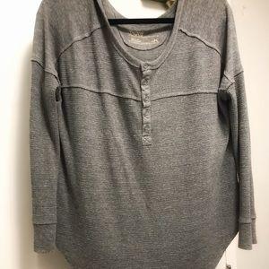 Aritzia (TNA) grey waffle shirt